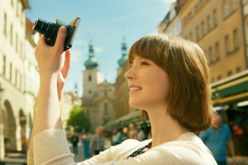 Sony QX10 Smart Lenses That Turn Phones Into True Cameras