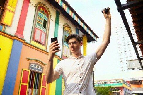 Sony QX100 Smart Lenses That Turn Phones Into True Cameras